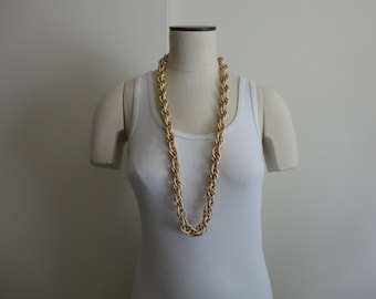 VINTAGE chunky GOLD tone chain NECKLACE