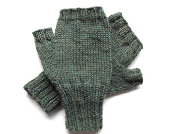 Green Texting Gloves for Men, Teen Boys, Handknit Fingerless Gloves, Hand Warmers, gift for men, wool gloves, knit gloves, mitts,  size M/L