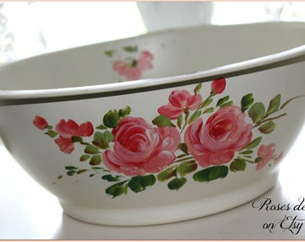 SALE!  vintage tole painted bowl  original shabby pink roses on cream  HARD to FIND!