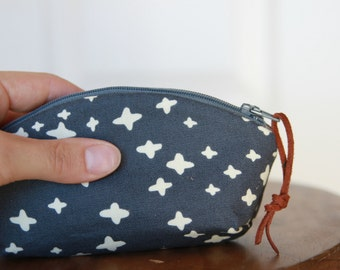 Mini Petal Pouch in Navy and White