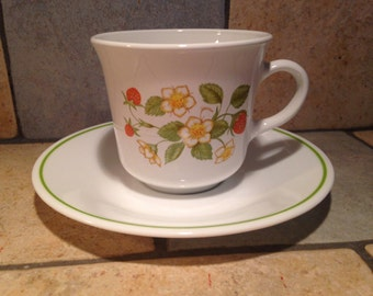 8 Strawberry Sundae Cups and Saucers by Corelle