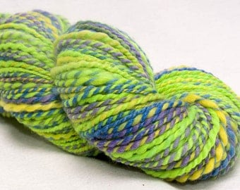 Hand spun yarn, knitting yarn, worsted, Polwarth, Tussah Silk, thick thin yarn, 181 yds colour; Malibu