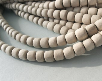 60 Unfinished rondelle wood beads 7-8mm  (PB224D)