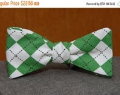 Green and White Sweetness Argyle  Bow Tie
