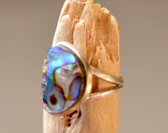 Abalone Shell  Ring. Sterling Silver Ring. Green Flash Siversmith Silver Ring. Fine Jewelry. Size 8.25.