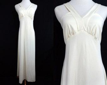 1970s White Maxi Dress Evening Gown Goddess Sleeveless Medium Empire Waist