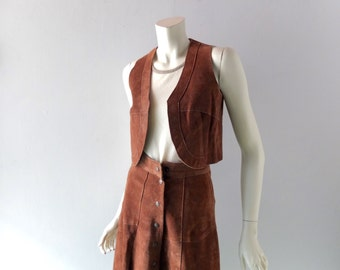 """Suede XS SM High Waist Skirt w/ Buttons & Matching Vest - 1960s Summer of Love - Woodstock - Coachella - Vintage sz 7 - 24"""" Waist"""