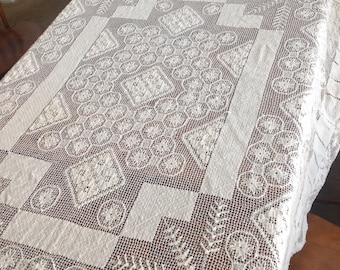 Tablecloth Filet Lace in Cream Cotton 54 x 72