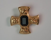 1980s Carolee Brushed Gold Plated with Jet Black Emerald Cut Glass Maltese Cross Vintage Pin Brooch