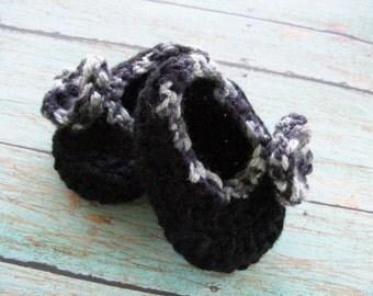 Black Baby Booties, Girl Ballet Crochet Booties, Flower Baby Booties, Infant Shoes, Ballet Slipper Booties, Black and Gray Booties