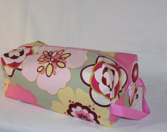 Pristine Poppies in Pink Sweater Bag