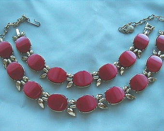 Vintage Red Thermoset Necklace and Bracelet