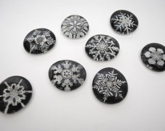 black and white snowflakes magnet or push pin set - made from recycled magazines, stocking stuffer, hostess gift, graduation, winter, snow