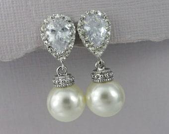 Ivory Pearl Bridesmaid Earrings, Swarovski 10mm Ivory Pearl Earrings, Wedding Earrings, Pearl Earrings, Ivory Pearl Wedding Earrings