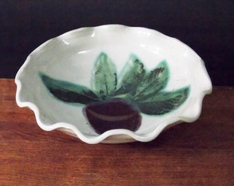 Deep Dish Stoneware Pie, Quiche Pan ~ Apple & Leaf Design ~ On Sale~