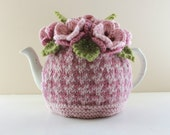Rosefield Houndstooth - Hand-knitted Floral Tea Cosy in pure wool - Size SMALL - fits 1-2 cup teapots