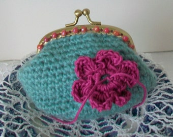 Beaded change purse  Hand knit aqua coin purse  Matching embroidered silk lining  Rosy colored beads   Goldtone kiss lock clasp