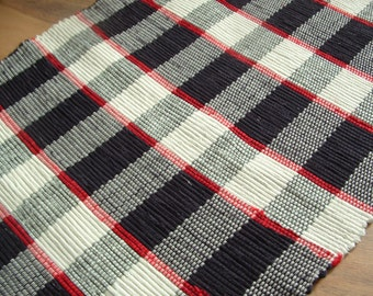 Traditional woven rag rug Contemporary Weave Black white Red