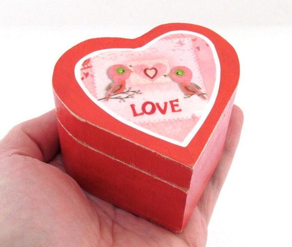 Love birds wedding rings box heart shaped wooden by for Heart shaped engagement ring box