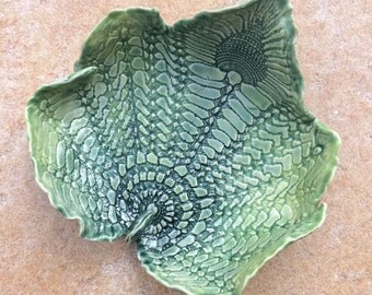 Spring Green Leaf Bowl 8 inch Lace Bowl
