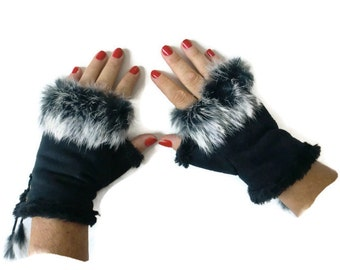 Black winter gloves-Faux fur winter gloves-Fingerless Gloves -Black faux suede with fur trimming-Vegan leather-suede