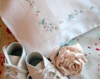 Vintage Baby Linens, Pillowcase, Baby Pillowcase, Baby Bedding, Embroidered, Vintage Nursery, Antique, by mailordervintage on etsy