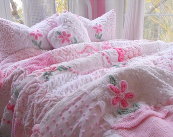 SWEETHEART Vintage Chenille Patchwork Quilt Heart Pillow And Matching Pillow Shams Full/Queen Size
