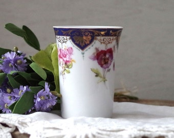 Porcelain Flower Vase Andrea by Sadek Biltmore Flower Vase Pot