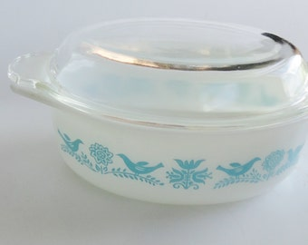 1.5 Quart Vintage PYREX Oval Casserole Baking Dish - Bluebird Turquoise Design - Corning ware, Blue & White, Retro Kitchen, Easter GIFT