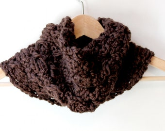 Chunky Knitted Scarf, Brown Knit Cowl, Womens Knit Scarf, Cowl Scarf Knit, Oversized Scarf Wool, Oversized Scarf Wrap, Oversized Wool Scarf