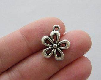 10 Flower charms antique silver tone F133