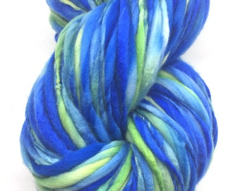 Super bulky handspun yarn in thick and thin merino wool - 120 yards, 6.7 ounces/ 190 grams