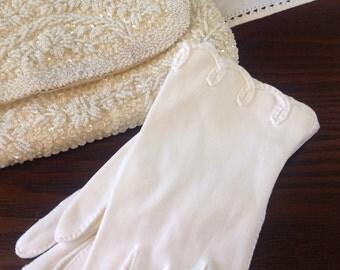 Vintage Hansen's White Wedding / Formal Ladies Gloves - Size 6 1/2