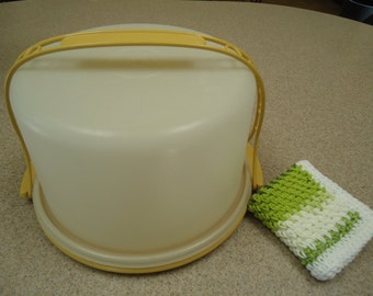 Vintage Tupperware Cake Taker and a Hand Crocheted Washcloth