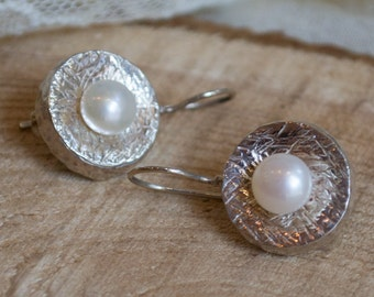 Fresh water pearls earrings, hammered silver, classy earrings, casual, sterling silver earrings, hammered earrings - Love is touch E7717GS