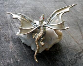 Green Gold DRAGON PIN Rhinestones Fantasy Art Nouveau Victorian Steampunk Game of Thrones Pern Tack Pin Purse Hat Lapel Brass Pin0112
