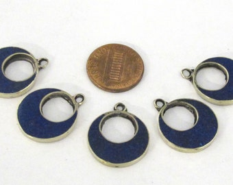 4 pieces  - Tibetan silver donut disc shape charm pendants with lapis inlay - PM512B