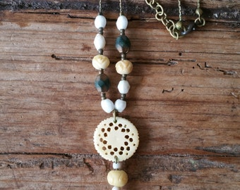 Fun and flirty necklace with earth tone beads