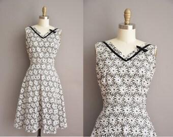 50s floral eyelet cut out cotton vintage dress / vintage 1950s dress