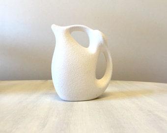 Ceramic white jug, white abstract oil jug, white pottery jug, olive oil dispenser, geometric pottery jug, olive oil pourer, olive oil bottle