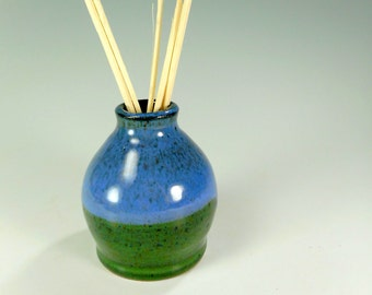 Ceramic reed diffuser, pottery reed diffuser, scented oil diffuser pot, stoneware bud vase, ceramic home decor, diffuser with reeds