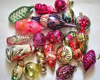 Vintage Christmas Decorations Glass Baubles Ornaments set of 20 Set 2 1970s from Russia Soviet Union USSR