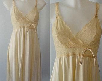Vintage Nightgown, Olga, 1980s Nightgown, Short Nightgown, Cream Nightgown, Vintage Lingerie, Olga Bodylace