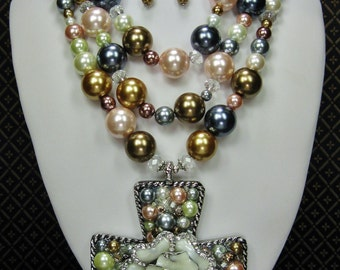 Cowgirl Western Glass Pearl Statement Necklace / Cross Pendant Necklace Set / Multicolor Pearl Necklace - HeaVen's PeaRLy GaTeS