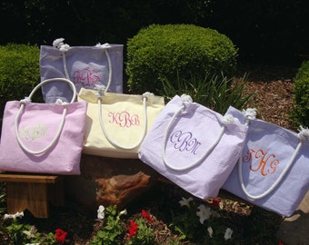 Personalized Beach Bag, Personalized Bridesmaid Gift, Monogrammed Bridesmaid Tote Bag, Beach Tote Bag, Embroidered Bridesmaids Gifts
