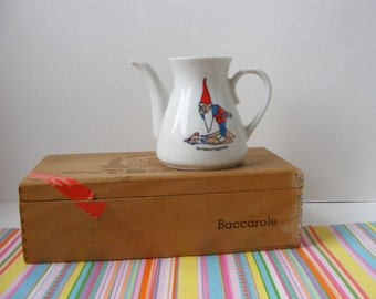 Vintage Dutch Van Nelle's Piggelmee Small Teapot from Children's Tea Set