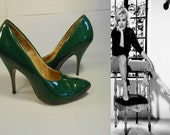 Kicking Off Her Dance Shoes - Vintage 1960s Medium Green Patent Leather Stilettos - 7