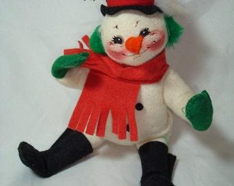 Vintage ANNALEE Snowman Art Doll.