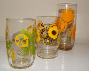 Mixed Lot of 3 Retro 70's Flowers Printed Drinking Glasses