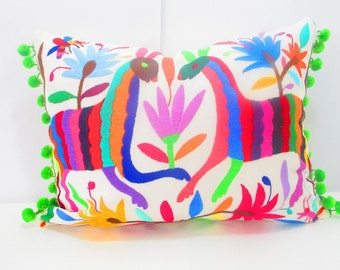 Mexican Otomi pillow cover, handmade animal and flowers, colorful decorative, 13x16 Unique piece of mexican culture, otomi embroidered